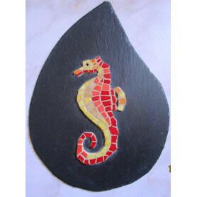 Hippocampe en mosaique sur ardoise