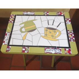 Table en mosaique faïence verte et blanche