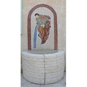 Fontaine en émaux de Briare sur filet