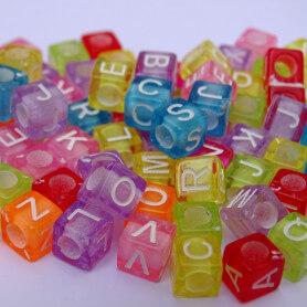 Lettres perles couleurs acidulées