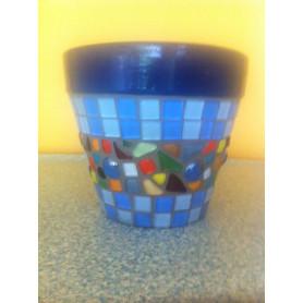 Pot de fleurs en mosaique cailloux de verre et pâte de verre translucides