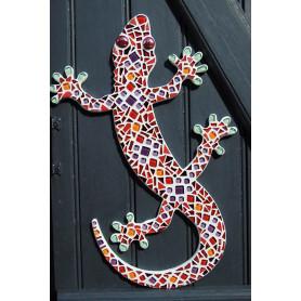 Exemple de Support bois Salamandre décoré de mosaïque de verre dans les tons chauds