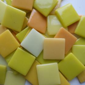 Pâtes de verre espagnoles unies jaunes de 2,5 × 2,5 cm
