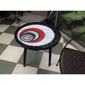 Exemple de TABLE BASSE en mosaïque décorée par Gislaine