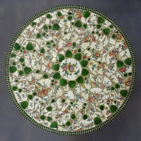 Exemple De Table En Mosaique En Vaisselle Cassee Et Galets Japonais