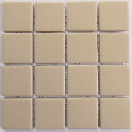 Emaux 24 Sable 2,35 × 2,35 cm vendus à la mini-plaque de 16 carreaux