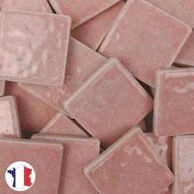 Emaux de Briare couleur CAMÉLIA rose layette brillants pour mosaïque 2,5 × 2,5 cm vendus par 100 g vue de face