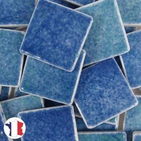 Emaux de Briare couleur GALAPAGOS bleu vert chiné brillants pour mosaïque 2,5 × 2,5 cm vendus par 100 g vue de face
