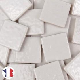 Emaux de Briare couleur MUGUET blanc brillants pour mosaïque 2,5 × 2,5 cm vendus par 100 g vue de face