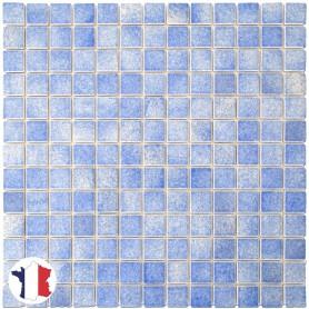 Emaux de Briare LAVANDE bleu ciel brillants pour mosaïque 2,5 × 2,5 cm sur filet vendus à la plaque ou par boîte de 9 plaques