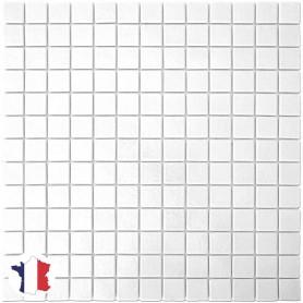 Emaux de Briare MUGUET blanc brillants pour mosaïque 2,5 × 2,5 cm sur filet vendus à la plaque ou par boîte de 9 plaques