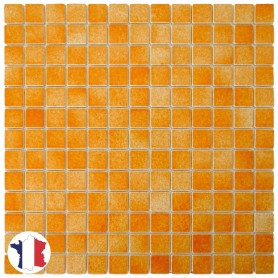 Emaux de Briare MANDARINE orange brillants pour mosaïque 2,5 × 2,5 cm sur filet vendus à la plaque ou par boîte de 9 plaques