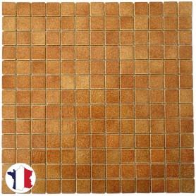 Emaux de Briare CORIANDRE caramel brillants pour mosaïque 2,5 × 2,5 cm sur filet vendus à la plaque ou par boîte de 9 plaques