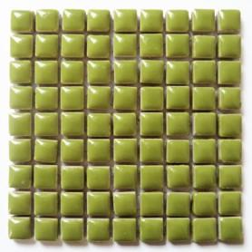Mini-porcelaine 1 × 1 cm couleur ANIS vert pour mosaïque vendue à la plaque