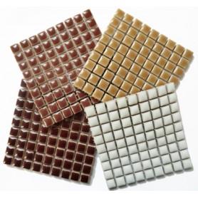 Mini-porcelaine 1 × 1 cm camaïeu GOURMANDISE pour mosaïque vendue en lot de 4 plaques de couleurs assorties