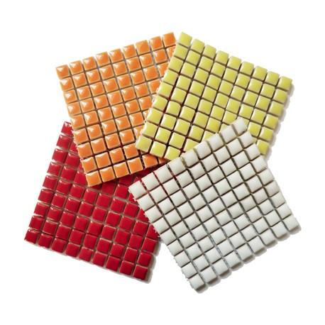 Mini-porcelaine 1 × 1 cm camaïeu ORANGEADE pour mosaïque vendue en lot de 4 plaques de couleurs assorties